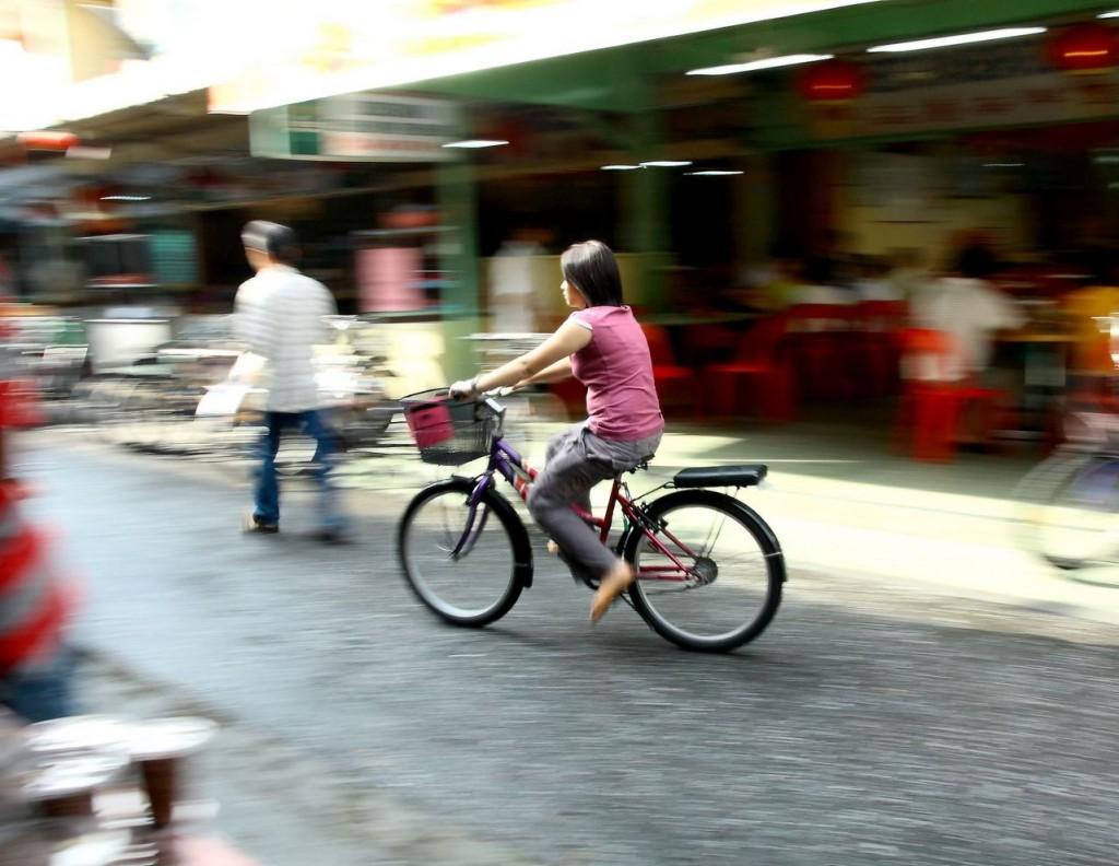 Coraz więcej ludzi jeździ na rowerze